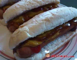 σπιτικά Hot Dogs